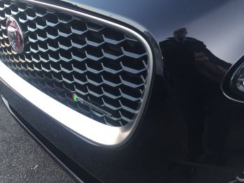 Jaguar E-PACE 2.0 R-Dynamic S image 3 thumbnail
